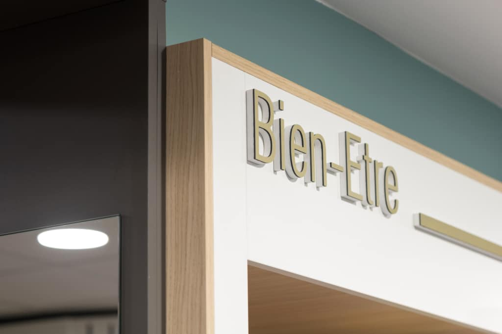 Cubik-Agenceur-Pharmacie-Madeleine-Beaune-46-1024×682