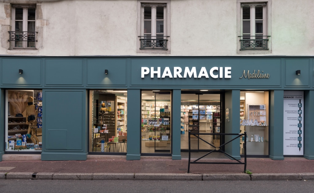 Cubik-Agenceur-Pharmacie-Madeleine-Beaune-47-1024×631
