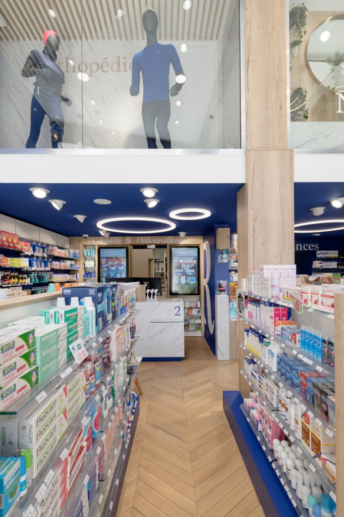 Cubik-Agenceur-Pharmacie-Republique-03-682×1024
