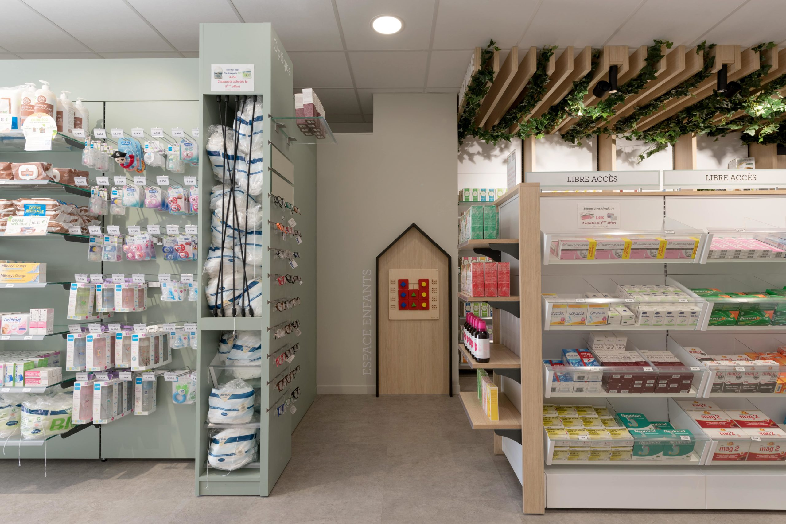 Cubik-Agenceur-Pharmacie-Gare-StEtienne-2975-min
