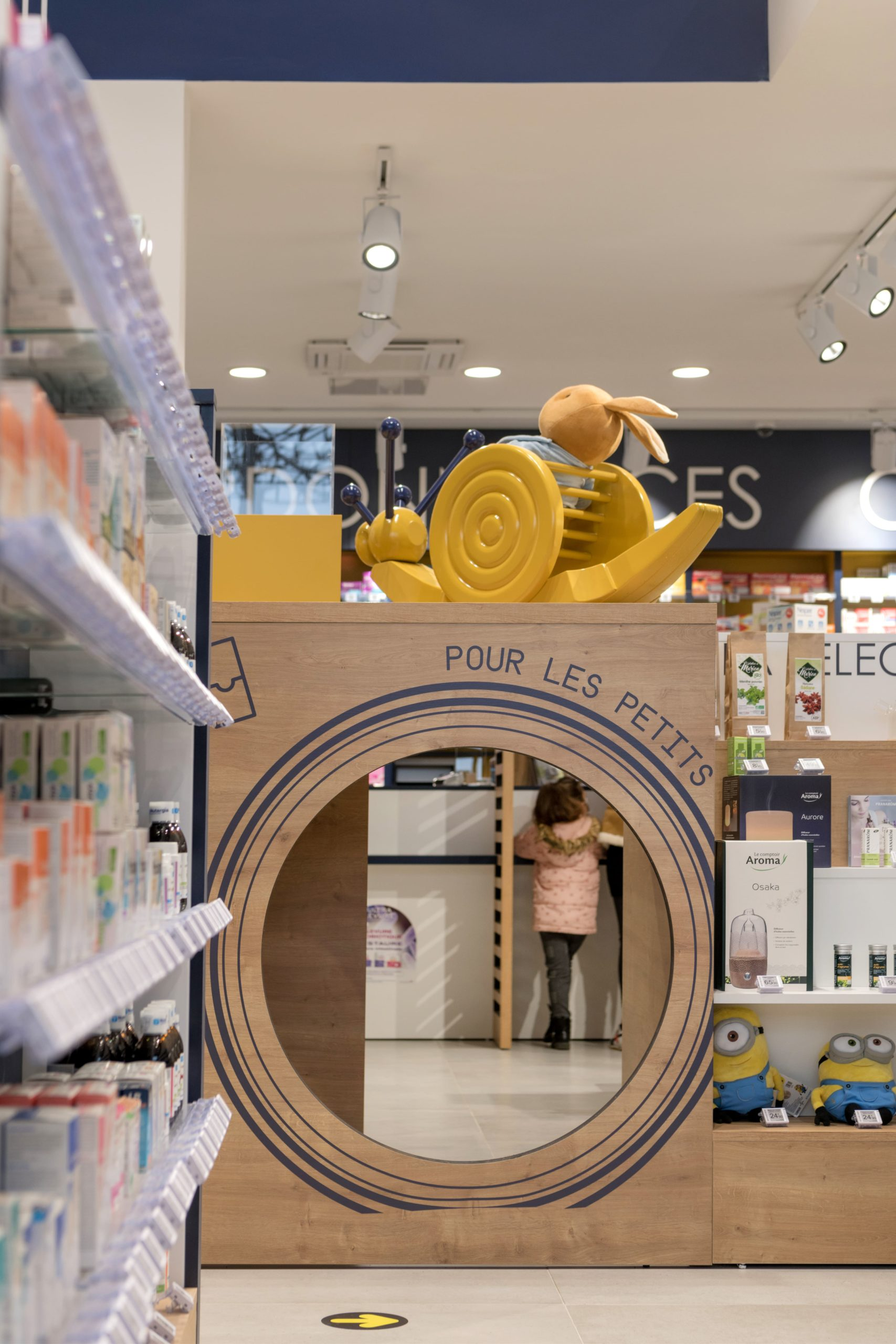 Pharmacie-Gagnaire-Issoire-Cubik-Agenceur-13-min